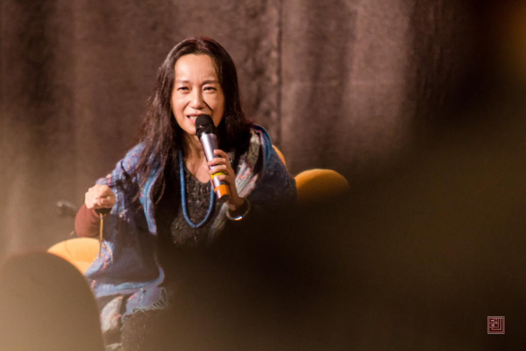 Tina Ma mesmerizes Aside goers with her illuminating story-song
